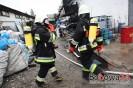 Ogień w hali produkcyjnej w Brzanej