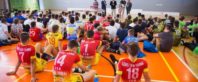 63 mecze, ponad 300 zawodników to właśnie IX Międzynarodowy Turniej Piłki Siatkowej o Złotą Koronkę Bobowej (TV)